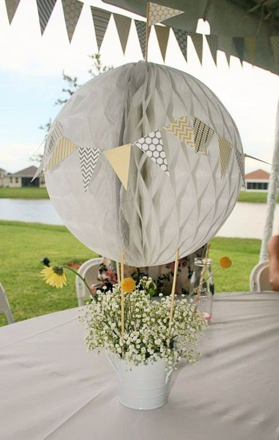 I couldn't find hot air balloon themed centerpieces that i liked so I made these. #DIY #Babyshower #neutral