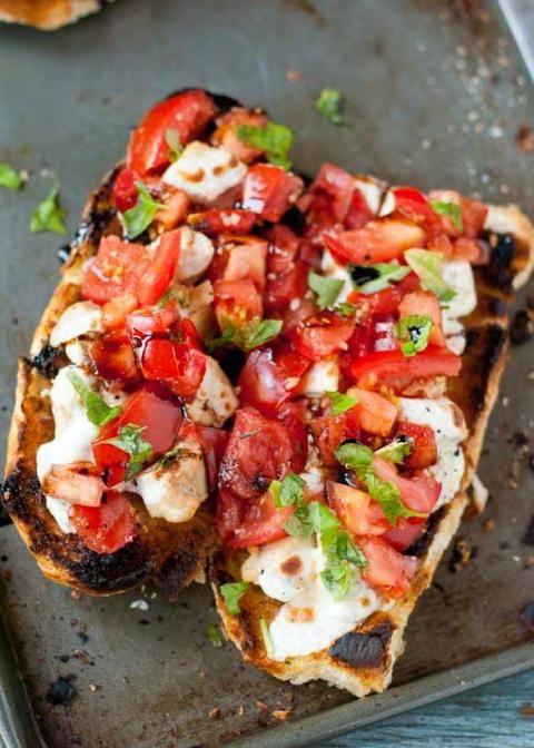 Cheesy Chicken Bruschetta Bread Boats