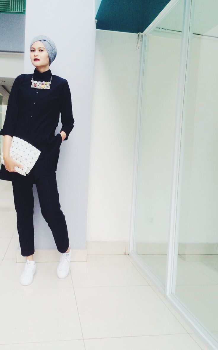 Black and white #ootd #ootdhijab #turban