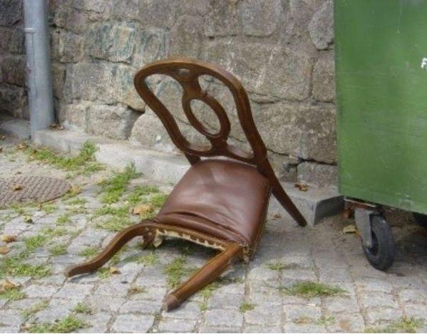broken chair images 1