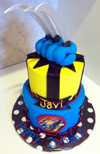 Wolverine Cake. WHAT?! I need this for my 27th birthday! Shari ...
