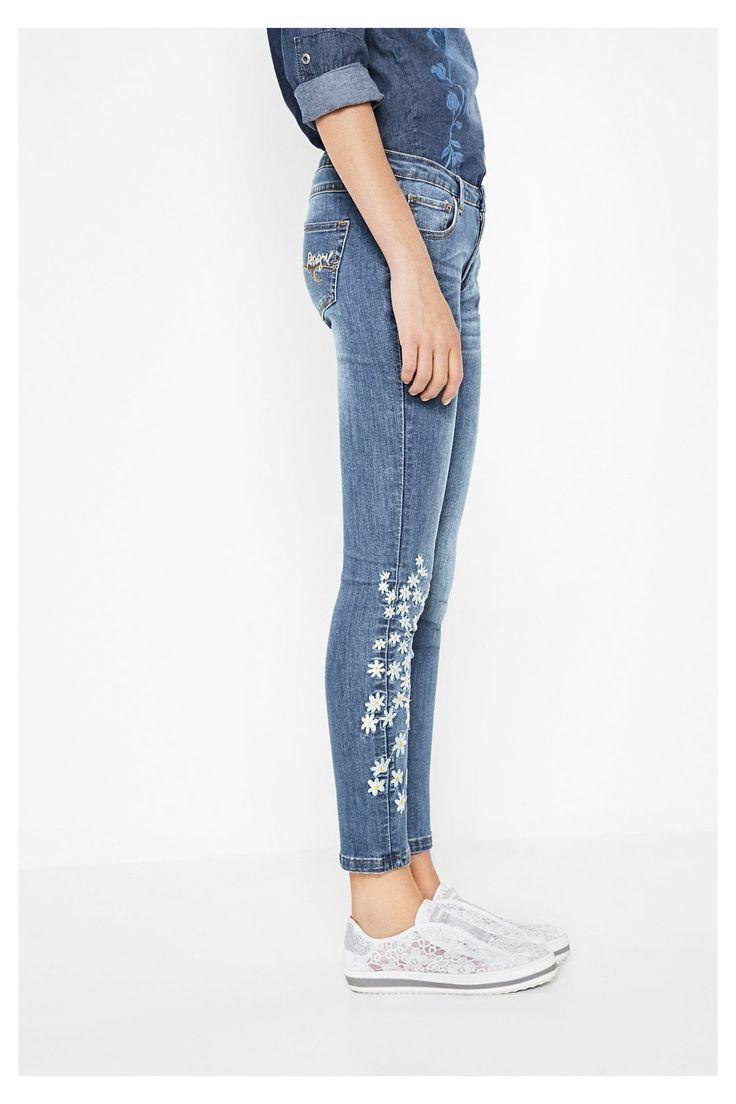 Jeans slim con dettagli ricamati Jeans 3 | Desigual.com