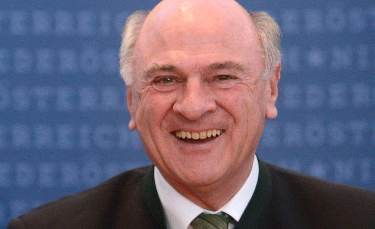 Wie Erwin Prölls Kapriolen ÖVP-Parteichef Reinhold Mitterlehner den Start ins neue Politjahr versauten.