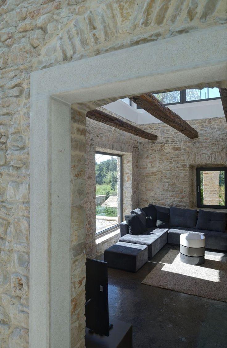 Villa Martinuzzi, Pola_Croatia   A Modern Reconstruction Of An Old Stone House - Architectural office: TOBIS-inzenjering_Zadar-Zagreb