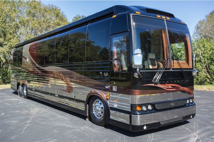 Merry Christmas to me Luxury bus, Prevost coach, Luxury