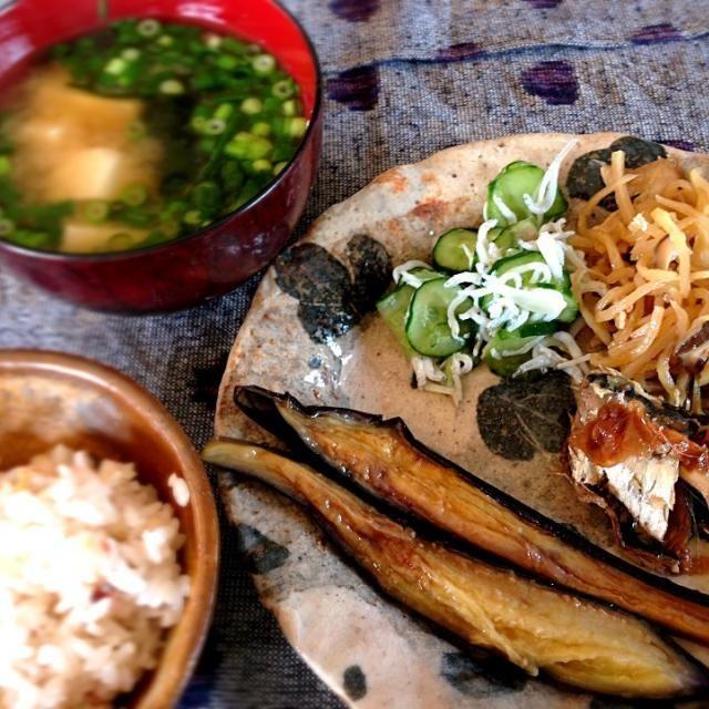 昨日の残り朝ごはん - 49件のもぐもぐ - イワシの梅煮、切り干し大根、らっきょと胡瓜の和え物、茄子の素揚げスッパ風味 by kurageyakanno