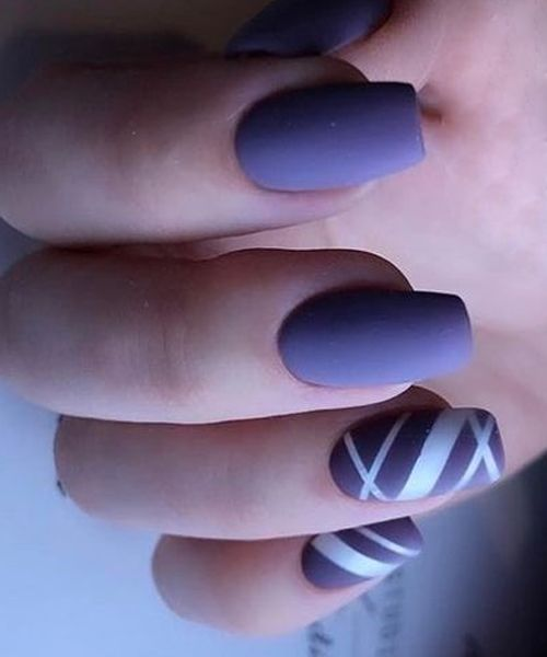 Elegant Blue Stripped Nail Art Designs for Prom