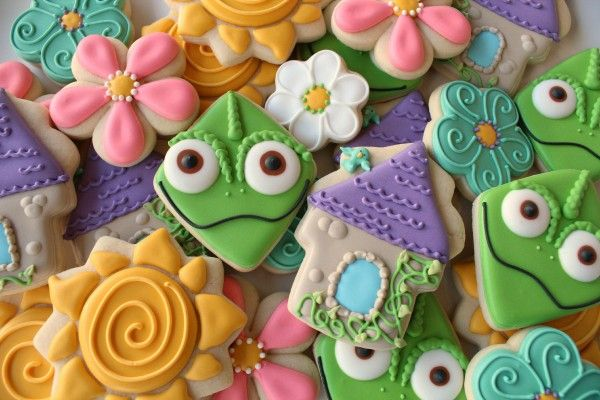 Tangled cookies with instructions