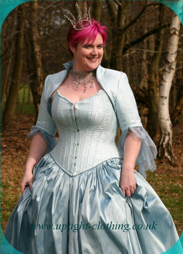 Top 25 ideas about plus size corset on Pinterest | Hourglass ...