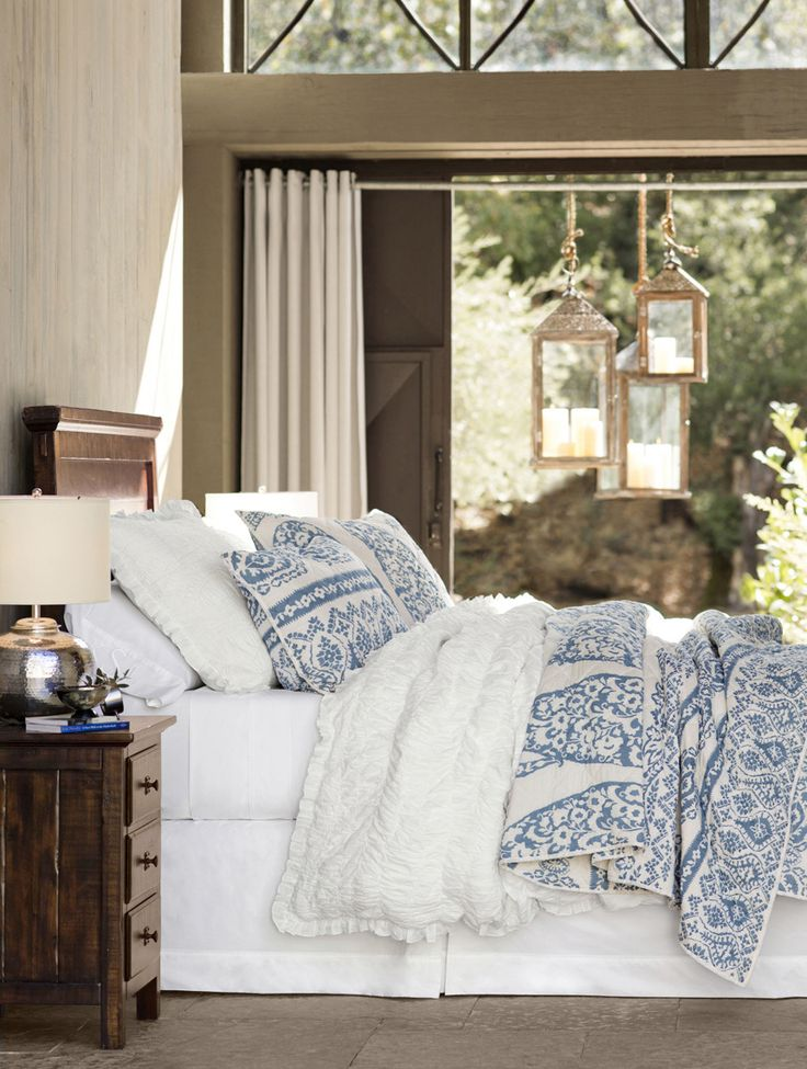 Best 25 blue white bedrooms ideas on pinterest - Bedrooms in blue and white ...
