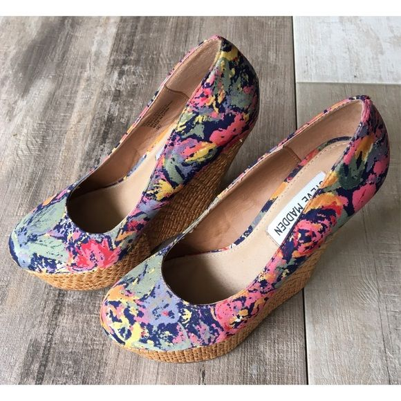 Like New Steve Madden Floral Wedges These wedges are perfect for spring/summer. These have only been worn once & are in excellent condition. There is no signs of wear outside from few scuffs on sole & from the feet on inside of shoe. Steve Madden Shoes Wedges