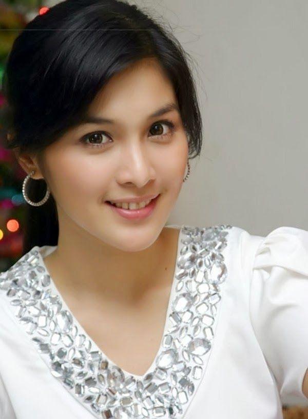 Daftar 10 Artis Tercantik Di Indonesia terupdate