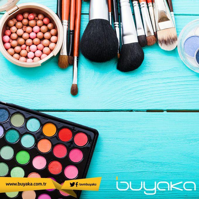 Kullandığınız makyaj fırçalarının uzun ömürlü olması için düzenli olarak temizlemenizi öneririz. :) #BuyakaBiBaşka #KişiselBakım #Fırça #Öneri #BuyakaAvm