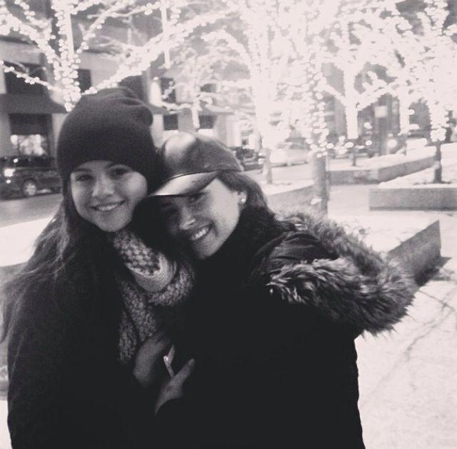 Selena Gomez / Demi Lovato