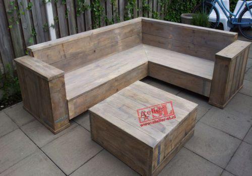 L vormige bank van steigerhout op maat.  Uitgevoerd in gebruikt steigerhout. Afmetingen: 200 + 250 x 80 x 80 cm. (BxHxD).Uitgevoerd op maat door Atelier-SL www.atelier-sl.nl. Elke vorm en formaat leverbaar.