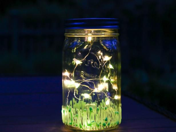 This sweet illuminated firefly Mason jar lantern is the perfect addition for summertime cookouts, parties and sleepovers.