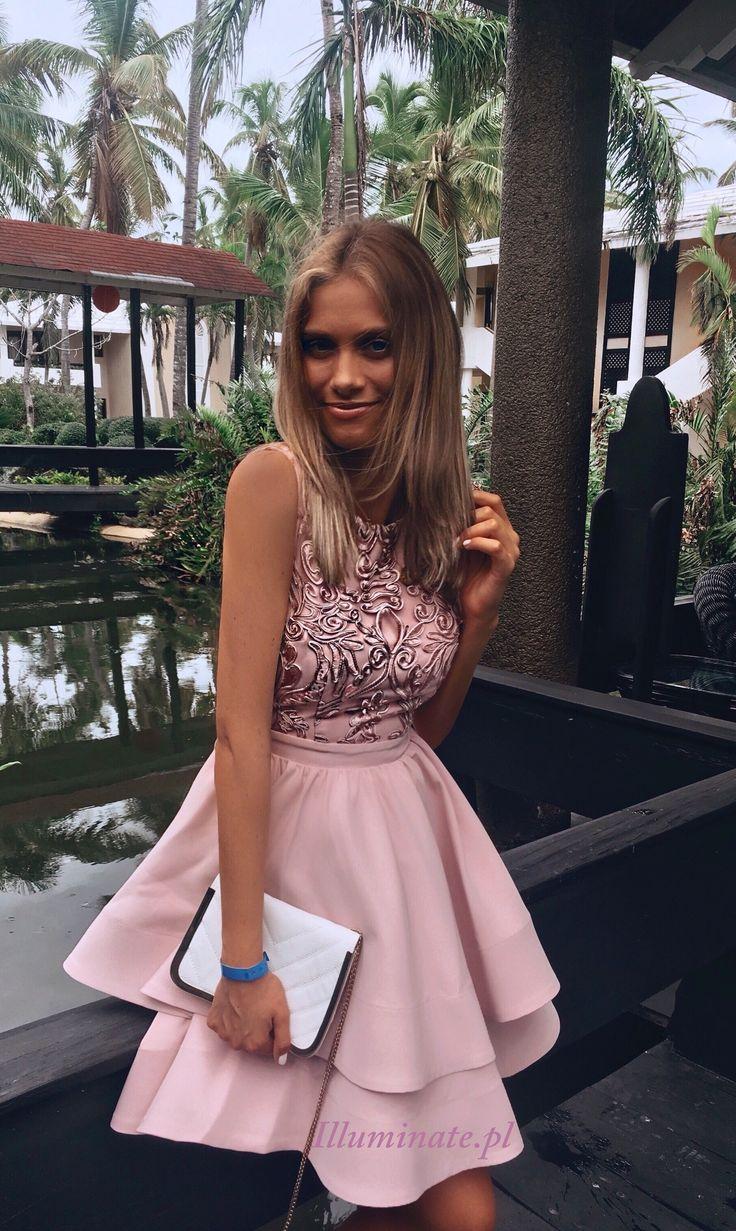 Rozkloszowana sukienka pudrowy róż Piękna sukienka na wesele Sukienka uszyta w Polsce -> illuminate.pl