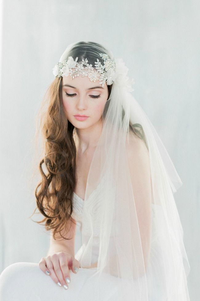 Crystal Lace Embroidered Juliet Veil - ANTOINETTE