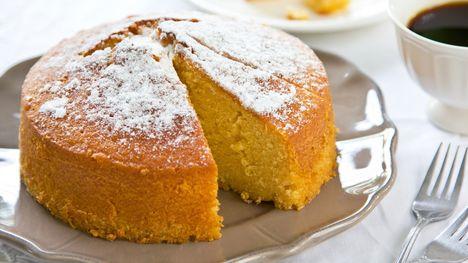 Ένα βουτυρένιο κέικ που προφέρεται δύσκολα αλλά τρώγεται εύκολα. Πολύ εύκολα! / Food / Woman TOC