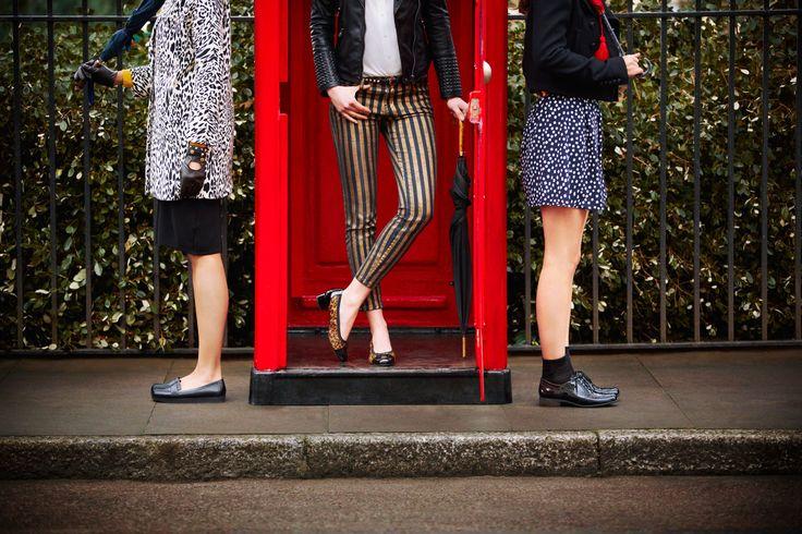 Rechts: Hamble Oak -  Der schicke Damen-Schnürer aus schwarzem Premium-Leder ist ein angesagter Lackschuh mit Budapester-Zierlochung und kleinem 3 cm Absatz. Hohen Komfort bietet das mit  Latexkissen verstärkte Fußbett. #HW13