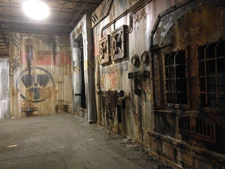 1000 images about haunt walls facades and structures on for Diy haunted house walls