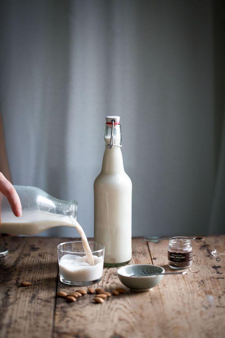 [ made by mary ] Almond Milk with Cardamom & Vanilla