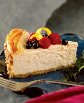 This lemon tofu cheesecake is a perfect sweet treat on a hot summer night #itssoygood