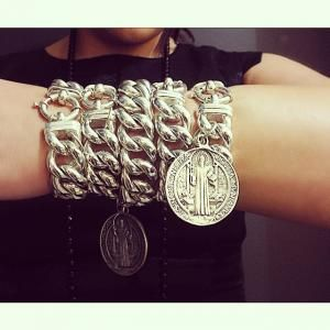 We LOVE LOVE LOVE the big #vontreskow curb #bracelets - especially this one with the Benedict coin. Wrap it and stack it! #silvershop