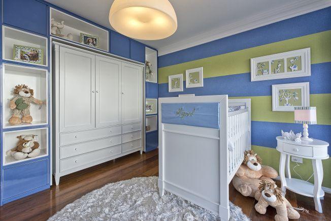 Dica para as mamães: lindo quarto de bebê verde e azul! Mais fotos em: http://mamaepratica.com.br/2014/05/30/mamae-decora-ideias-para-montar-o-quarto-de-bebe-menino-e-unissex/