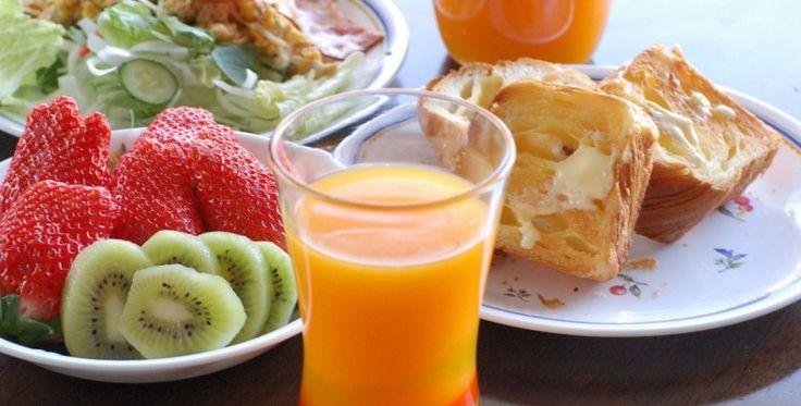 Quatro opções de refeições balanceadas e nutritivas para você começar o dia cheio de saúde e energia :D Confira: