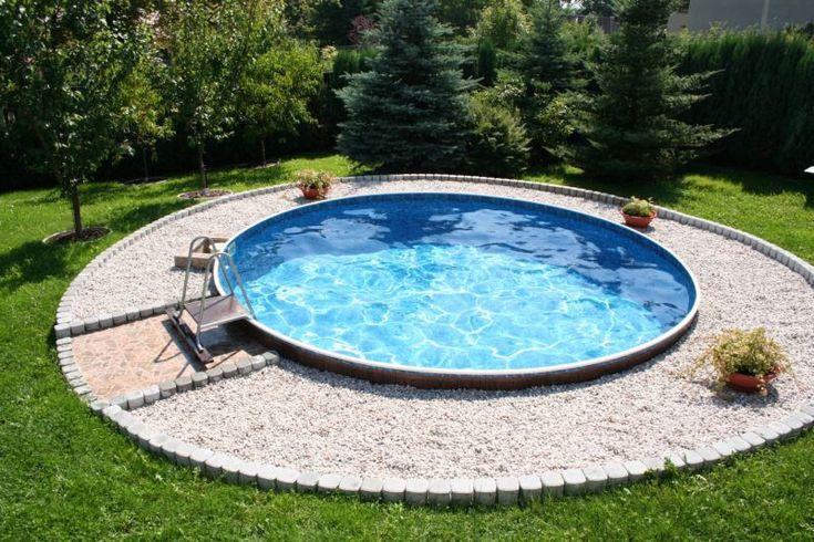 #round #pool #Abruzzo #Molise #Italy