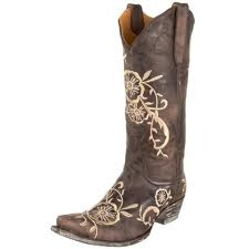 Lasea DOES NOT wear cowgirl boots... but i need these for Jamie's wedding when i wear them for the first time Ever.. (well since daycare when i was banned from wearing them because i liked to kick the other kids)