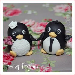 Wedding Cake Topper, Penguins bride and groom ........Follow Us: www.jevelweddingplanning.com www.facebook.com/jevelweddingplanning/ https://plus.google.com/u/0/105109573846210973606/ www.twitter.com/jevelwedding/