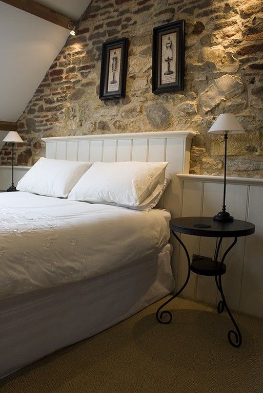 Attic | exposed stone | 1 bedroom apartment near golf in Bath & North East Somerset - 410666