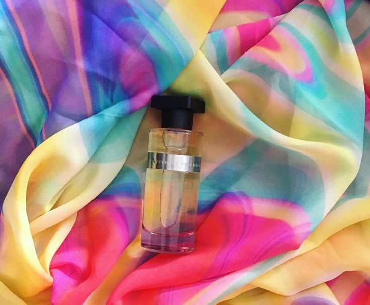 #ineke #aftermyownheart #perfume #nicheperfume  Fragrance Notes: Top Note: Bergamot, Raspberry, green notes Heart Note: Lilac Base Note: Sandalwood, Heliotrope, Musk #romantic #scent #silkscarf #greek #greeksilk #greekproducts #rosinaperfumey #giannitsopoulou6 #glyfada #athens #greece #shoponline : www.rosinaperfumery.com