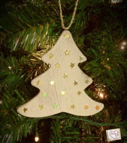 Decorazione per l'albero di #Natale in legno con stelline dorate. Di Angypuntobase su Etsy