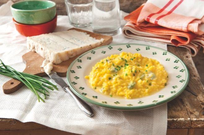 Recette Risotto au safran et au gorgonzola  D.O.P. et encore plus de recettes sur http://www.ilgustoitaliano.fr/recettes/rechercher/all/all/galbani/keys-gorgonzola/order-date-desc/