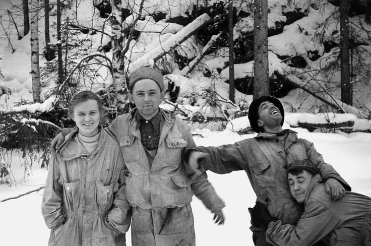 In Febuary 1959 ten Russian Mountaineers went missing in the Ural Mountains. The discovery of their mutilated bodies made history. I have restored a photograph taken before the team went missing. -Feb 1959 [2912x1931]