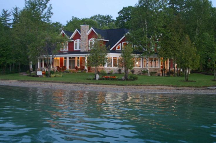 Lake homes torch lake homes gallery professional for Cottage builders in michigan