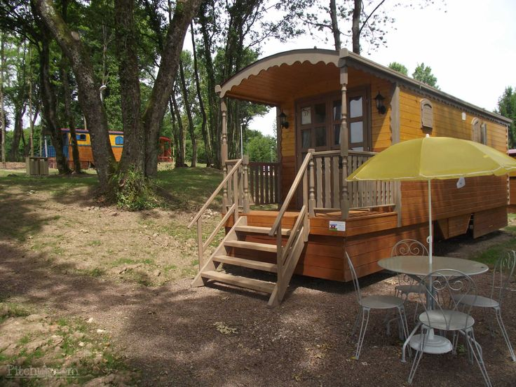 Gypsie caravans in Les Roulottes des Vergers de Fontenois, Fontenois La Ville, Haute-Saône - Pitchup.com
