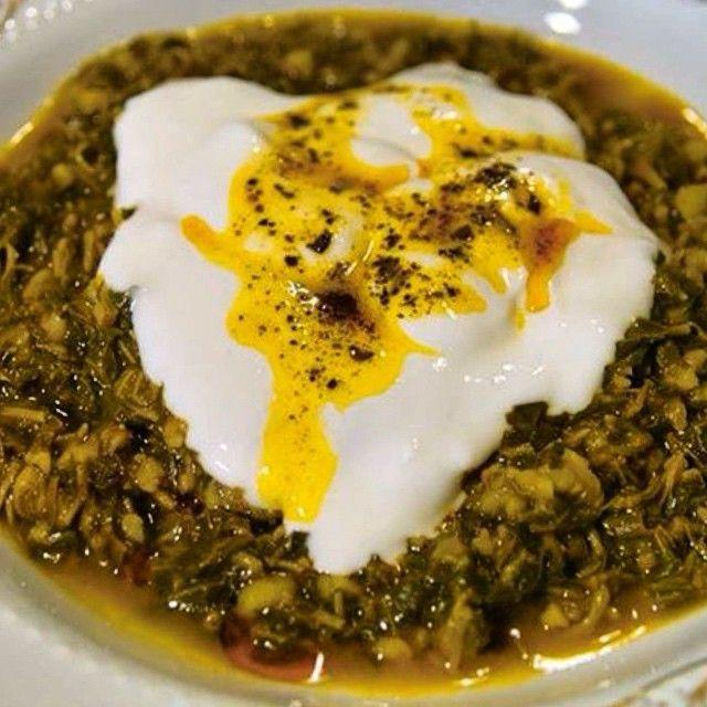 Sivas mutfağı - madımak yemeği - Ispanağa benzer bir yapısı olmasına rağmen lezzeti ıspanaktan oldukça farklıdır. Yoğurtlanıp yemek olarak servis edilen madımak yemeğinin güzel tarafı bu otun yetiştirme değil toplama olmasıdır. Yani özel bir alanı yoktur, ellerinizle tek tek toplar yemeğe sevginizi katarsınız.