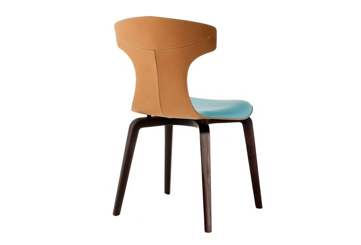 "The ""Montera"" chair, the common denominator in the designer's work is the lightness of form and, above all, the sensory charm of leather."