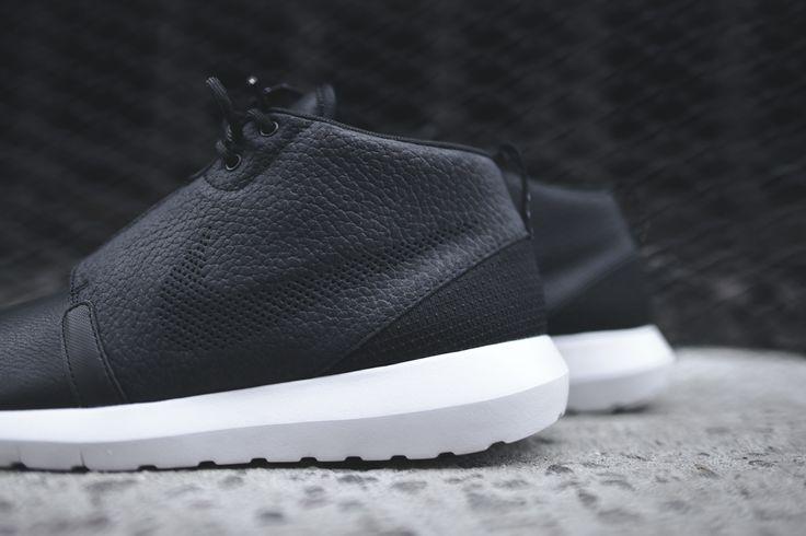 nike roshe run nm sneakerboot - black / dark grey / white