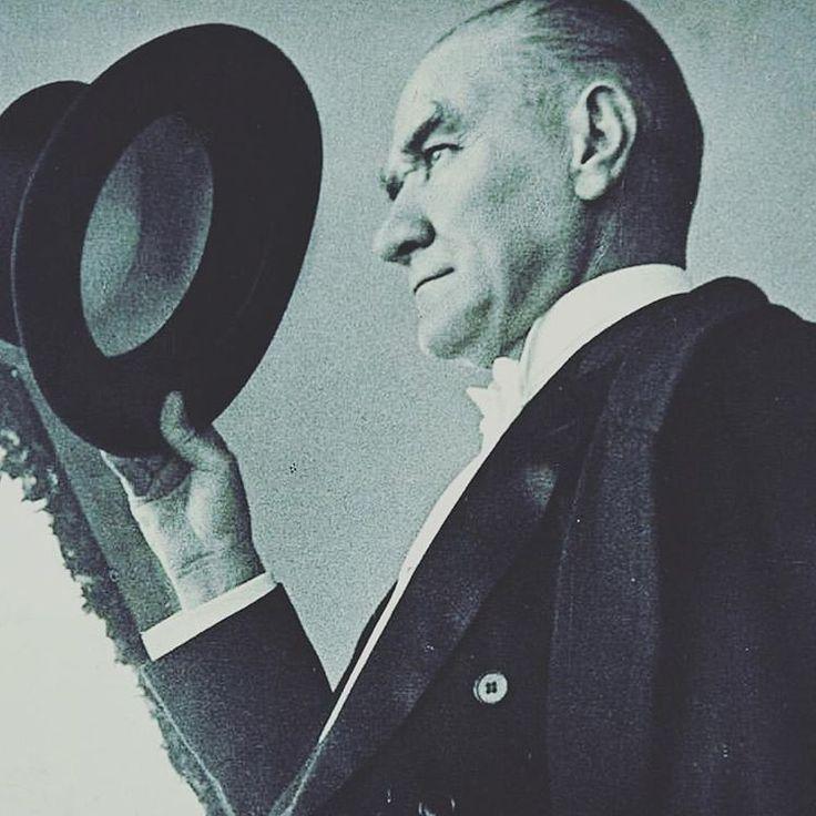 Mustafa Kemal Ataturk'u saygi,sevgi ve ozlemle aniyoruz..