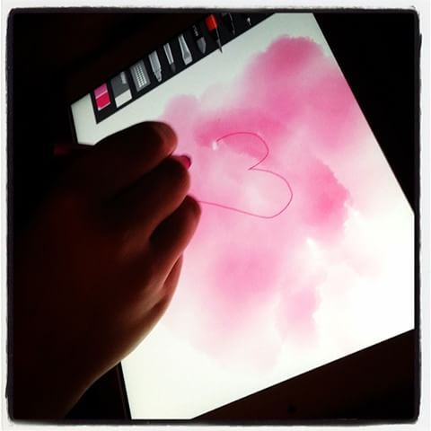 ❤️ 🎨✏️ ein #Herz für #Kinder ☺️malen mit #sketches app #klasse #fun #ipad #sohn #papi  #wochenende #zeitvertreib #farben #sketch #rosa #rot #instart #art #creative 😉✌️