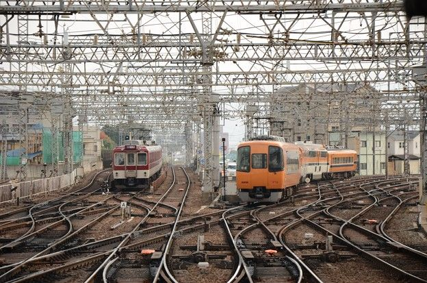 近鉄大和西大寺駅