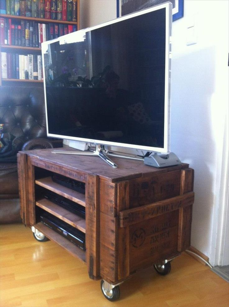 DIY Pallet T.v Stand On Wheels
