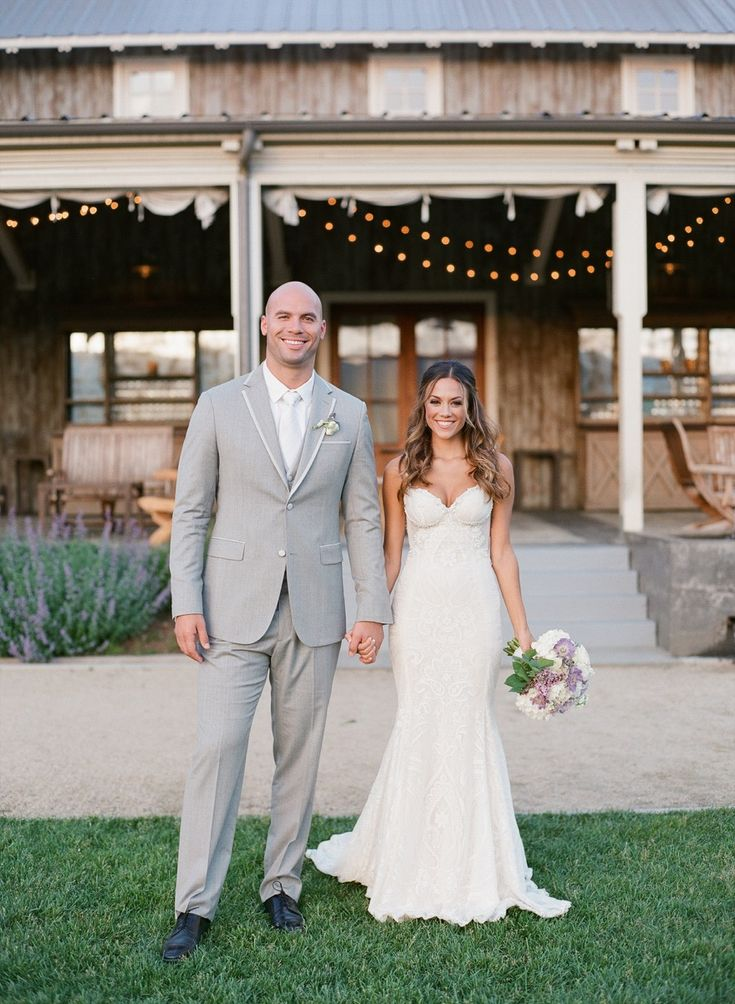 Galia Lahav bride, Jana Kramer and her beautiful country styled wedding.