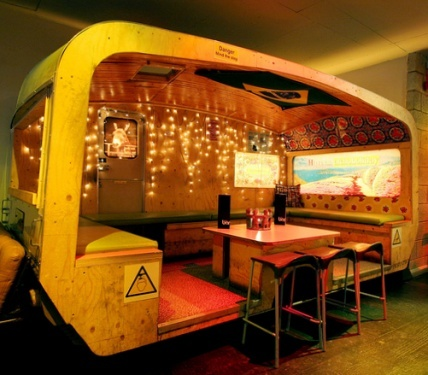 tiki bar retro caravan diner thing.. pretty cool idea. I don't know what this is, but I want one! -Carrie