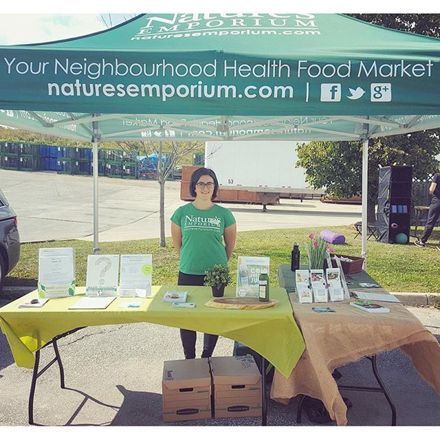 Our Holistic Nutritionist Nicole Eckert, CNP at a local wellness fair spreading the word about natural and organic food! #organic #holisticmarket #cleaneating #holistic #wellnessfair #coldpressed #coldpressedjuices #naturesemporium